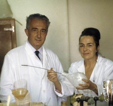1975-1995   Back in France, Mirko and Monique Beljanski create numerous scientific discoveries on the origin of the carcinogen and publish their results in major scientific journals. For more than 30 years, they researched the workings of DNA and RNA
