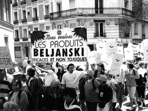 People marched in the streets of Paris and Leon demanding that the French Ministry of Health review and accept the clinical trials of Beljanski… that they and the conventional oncology community rejected
